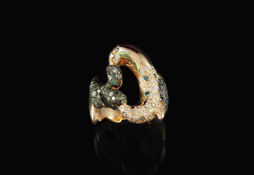 Anello-con-diamanti-e-oro-rosa