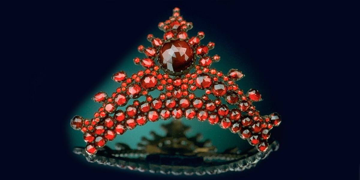 Granato rosso, Pietra preziosa di Gennaio, il granato rosso