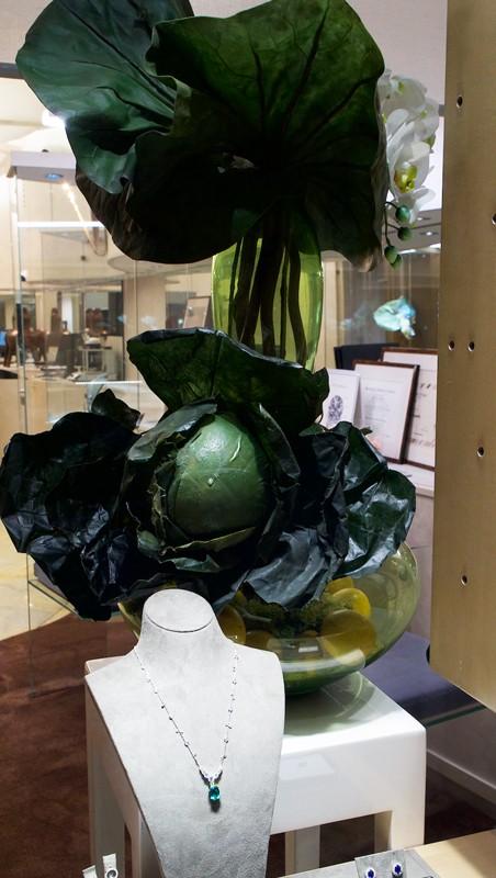 vetrine showroom Bergamo, Wilma Lanfranchi per le vetrine autunnali DAVERIO1933